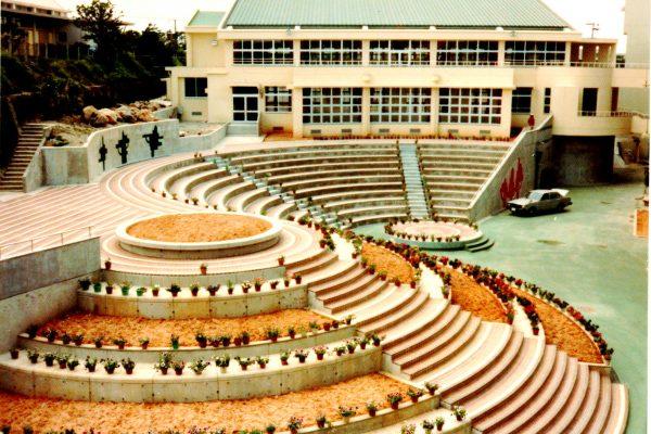 C-11  城南小学校及び中庭 1982年