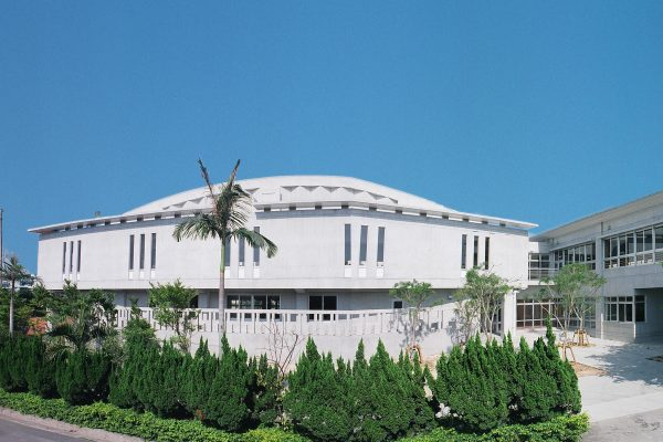 C-13  真和志高校体育館 2005年